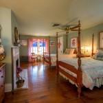 Luxury Farmhouse B&B in Beaver PA